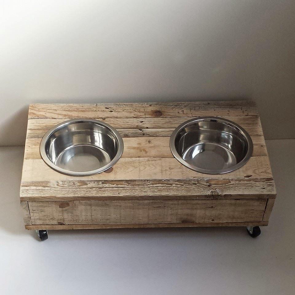 Mibarquitodepalet comederos para perros for Comederos para perros