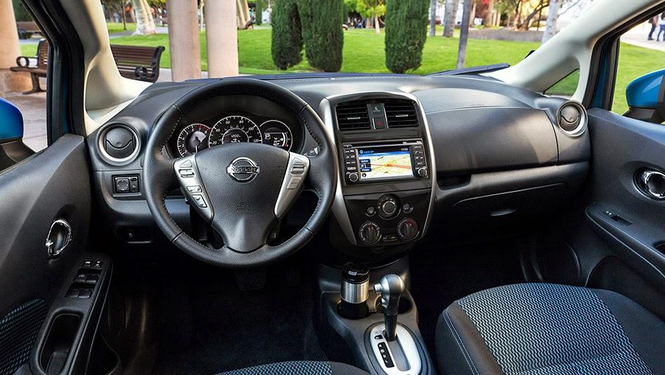 Nissan Versa Note SV interior