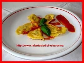 Ravioli con ripieno di verdure estive