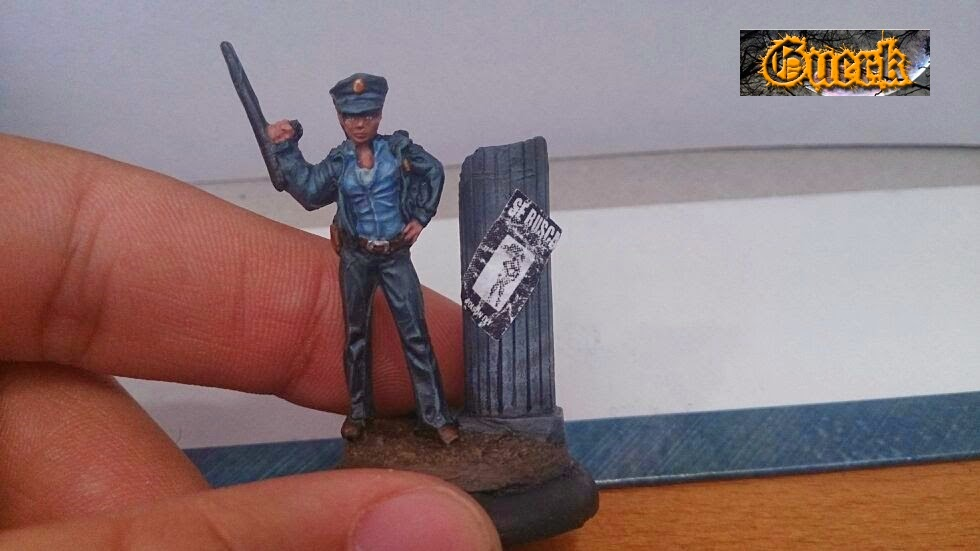 Galeria de Guerk Police+woman-mujer+policia-knight+model-35mm-+batman+miniature+game-+batman+(21)