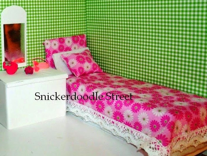 http://snickerdoodlestreet.blogspot.com/2014/01/htm-twin-bed-for-fashion-dolls-barbie.html