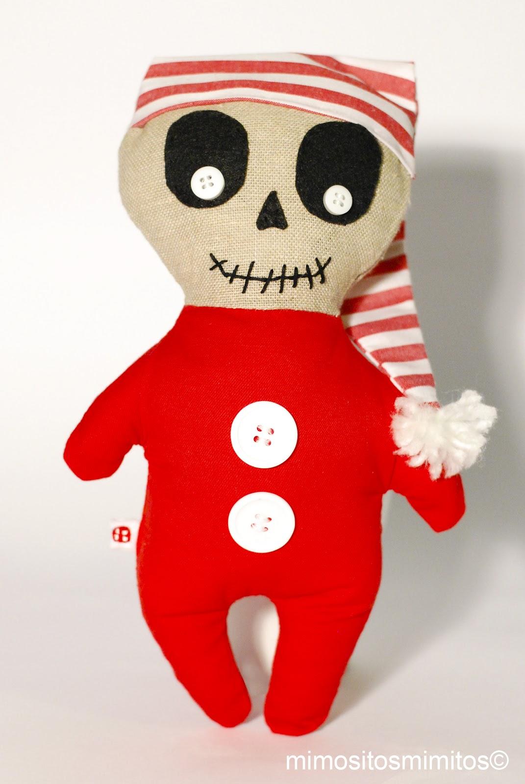 muñeco de tela y trapo de navidad halloween con adornos de fieltro y botones