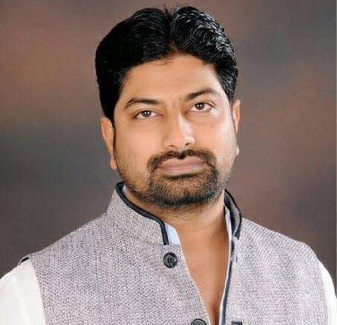 नवादा : जिले में पांच भेंटीलेटर बेड के लिये गोविन्दपुर विधायक कामरान ने दिया पच्चीस लाख