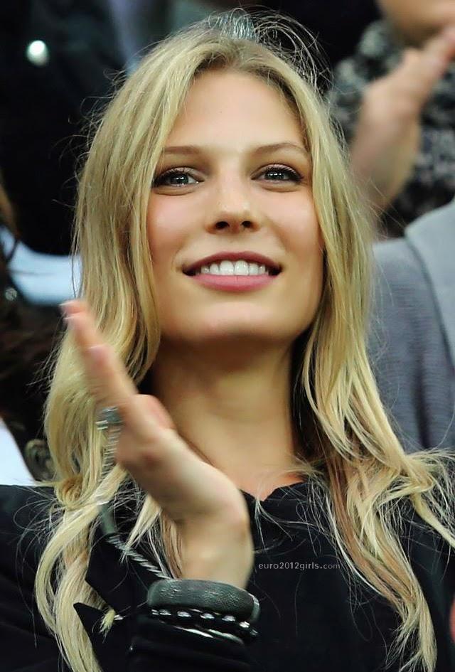 Lo Mejor del Futbol Mundial: Sarah Brandner novia de ... Sarah Brandner Bastian Schweinsteiger 2014