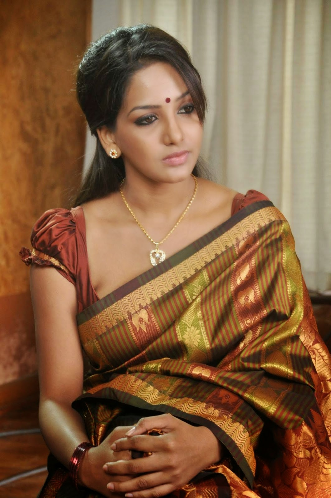 bhavani reddy stills from ini avane tamil movie bhavani