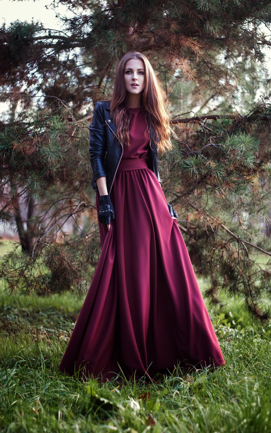red dress, burgundy, leather jacket and dress, outfit, ootd, shooting, neon rock, dress campaign, fashion blogger