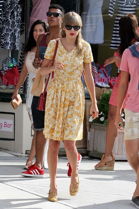 Taylor swift summer dresses