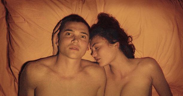7 फ़िल्में जिसमें अभिनेताओं ने सच में अपने साथी कलाकारों के साथ सेक्स किया…