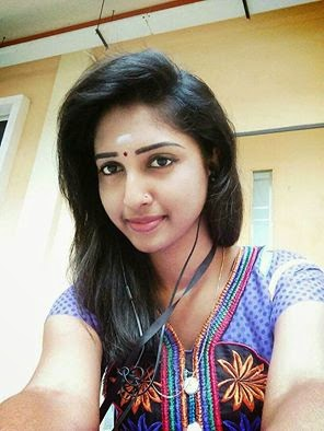 Girl Kissings cousin For Dating In Chennai