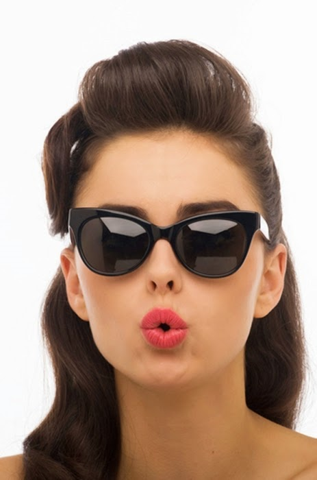 girl ray ban glasses