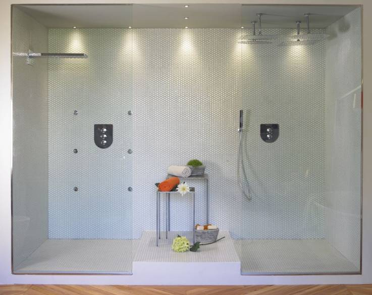 Living in designland ba o casa decor 2012 - Focos para espejos de bano ...