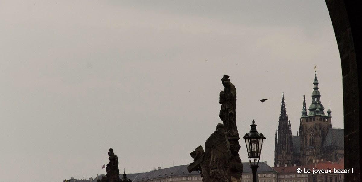 Prague - Pont Charles - brume