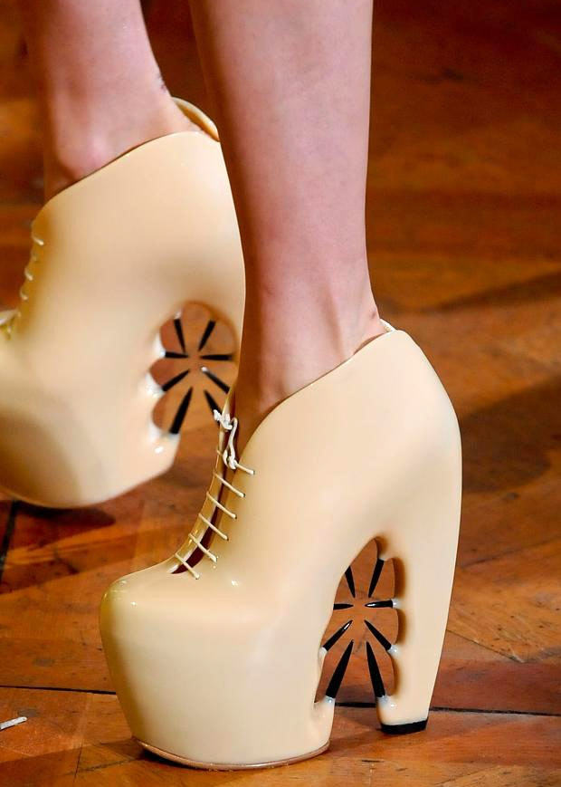 Beauty by design street style blog 5 couture shoes for Haute couture shoes