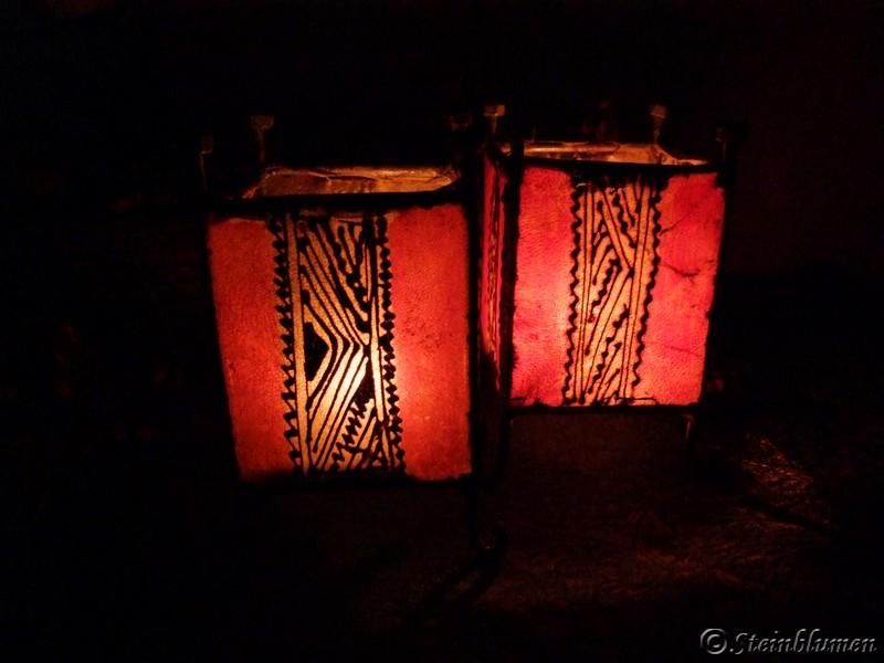 Windlichter in der Dunkelheit