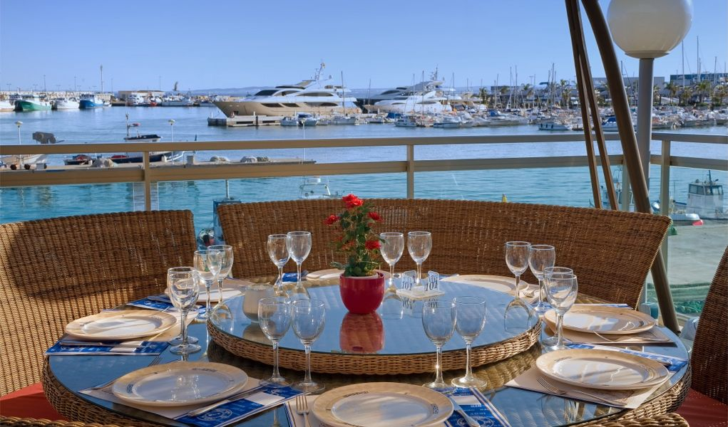 УСПЕХ ОТ ВЕЛИКИХ / Полезные советы / Притчи / vip-столик Bahia+Porto+Bello+ristorante+foto+02