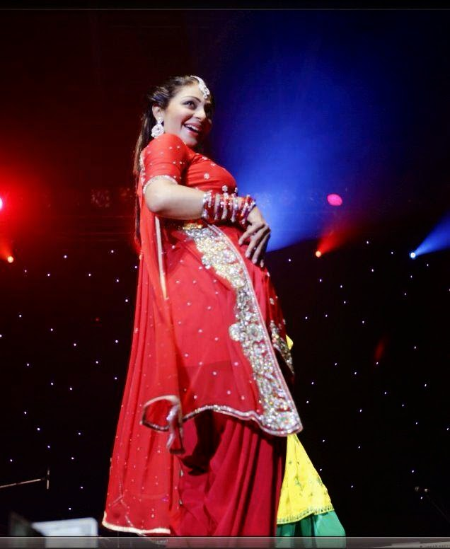 neeru bajwa hot dance latest dance performance looks very sexy in her red punjabi dress
