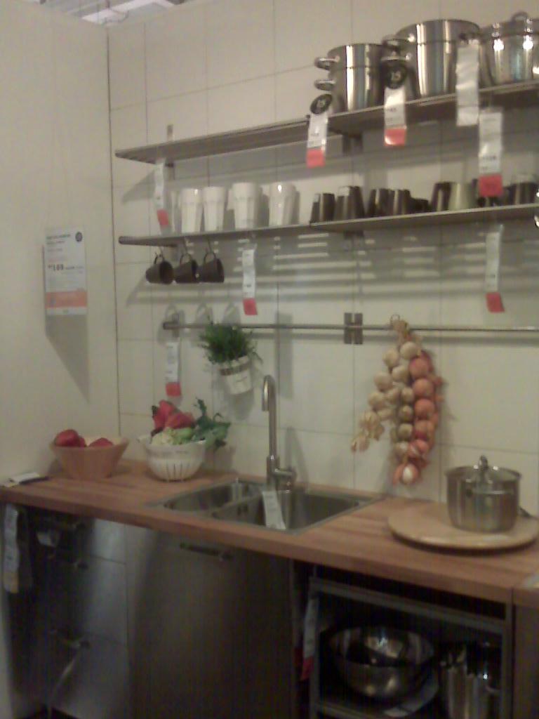 C a l e e n survey kitchen cabinet tv panel for Harga kitchen cabinet