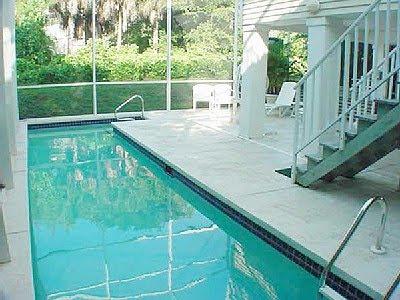 diseño piscina alargada