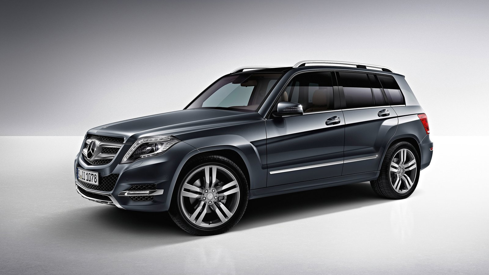 Car wallpapers in good images 2013 mercedes benz glk class for Is a mercedes benz a good car