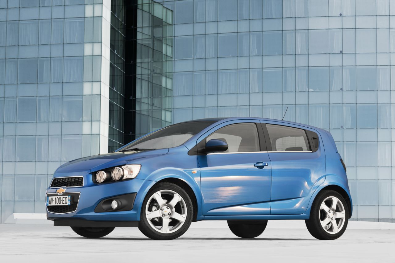 daily cars chevrolet new small car aveo earns top safety. Black Bedroom Furniture Sets. Home Design Ideas