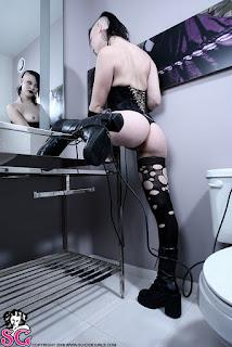 Naked brunnette - Beau_%2528SG%2529_Coma_White_17.jpg