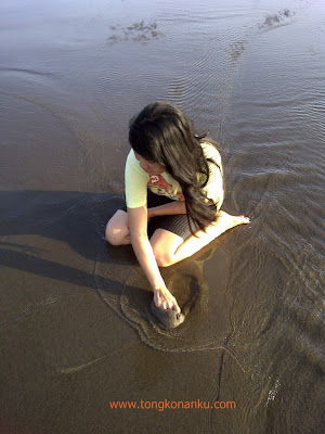 Pasir di Pantai Parangtritis Yogyakarta
