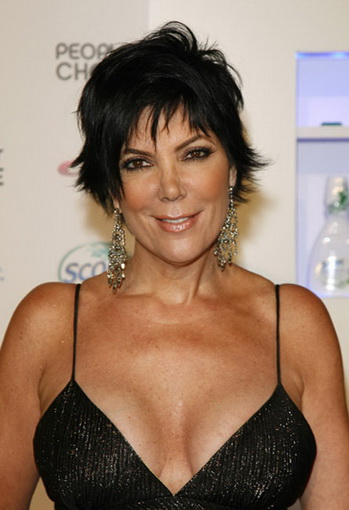 The 62-year old daughter of father Robert Houghton and mother Mary Jo Shannon, 168 cm tall Kris Jenner in 2018 photo