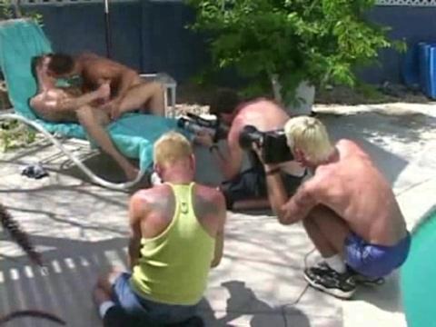 http://majalahkonyol.blogspot.com/2013/03/berita-terkini-proses-pembuatan-video.html
