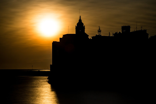 Sunset Sitges :: Canon EOS5D MkIII | ISO100 | Canon 24-105@105mm | f/16 | 30s