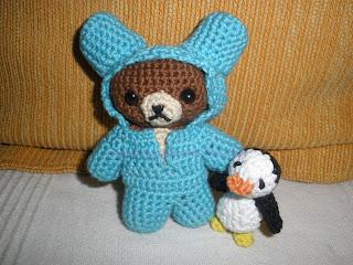 Osito y pingüino realizados a crochet para el CAL relámpago 2