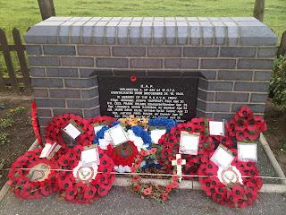 Memorial to Wellington HF465