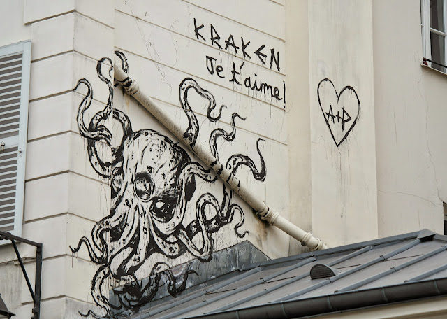 Paris street art graffiti Kraken octopus je t'aime
