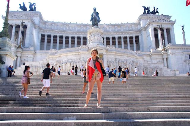 Rome, piazza, Italy, blogger, chicnova, vest, zara, eagle necklace, bijou brigitte, gold, adler kette, miu miu sunglasses,