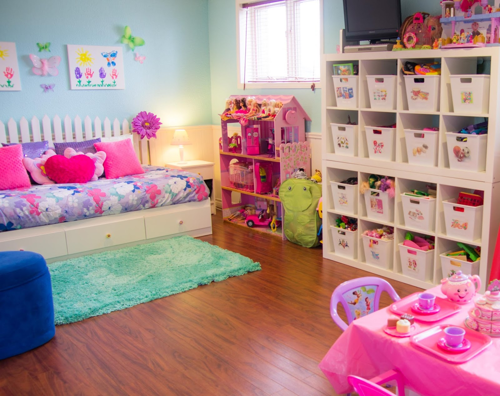 Ideas to organize your childrens room decorate kids auto for Organized kids rooms