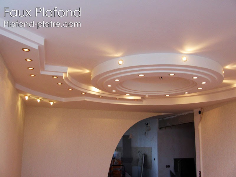 Rev tement faux plafond pl tre faux plafond design - Model faux plafond salon ...