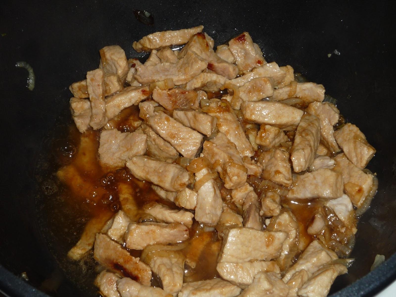 Жареная свинина с луком пошагово