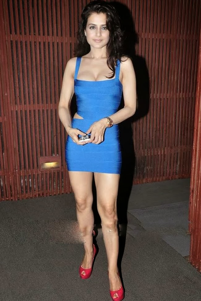 Amisha Patel blue tight short dress photos