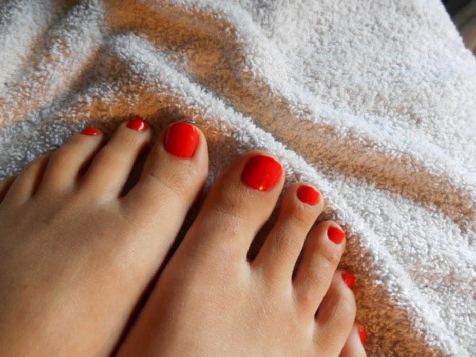 Vp nails du vernis ongles orange - Pied vernis rouge ...