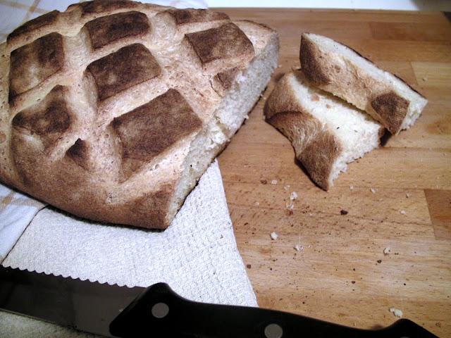 pane casereccio con farina di semola di grano duro