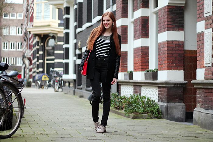Dutch fashion blogger outfit vintage brogues quilted sleeves modemusthaves stripes highwaisted jeans