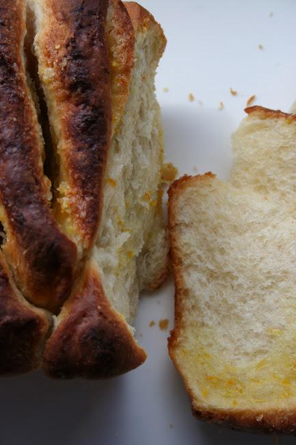 Cytrynowe ciasto drożdżowe do odrywania