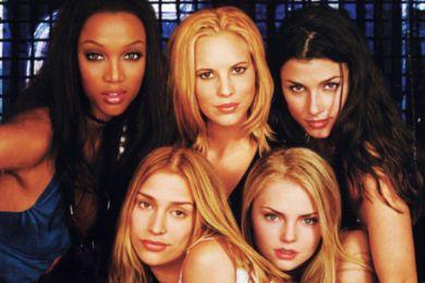 Blog makmalf - Every Woman You Met Has Her Own Song