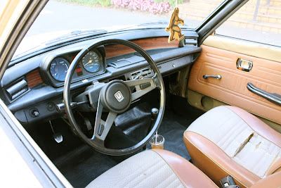 1976 Honda Civic Hatchback interior