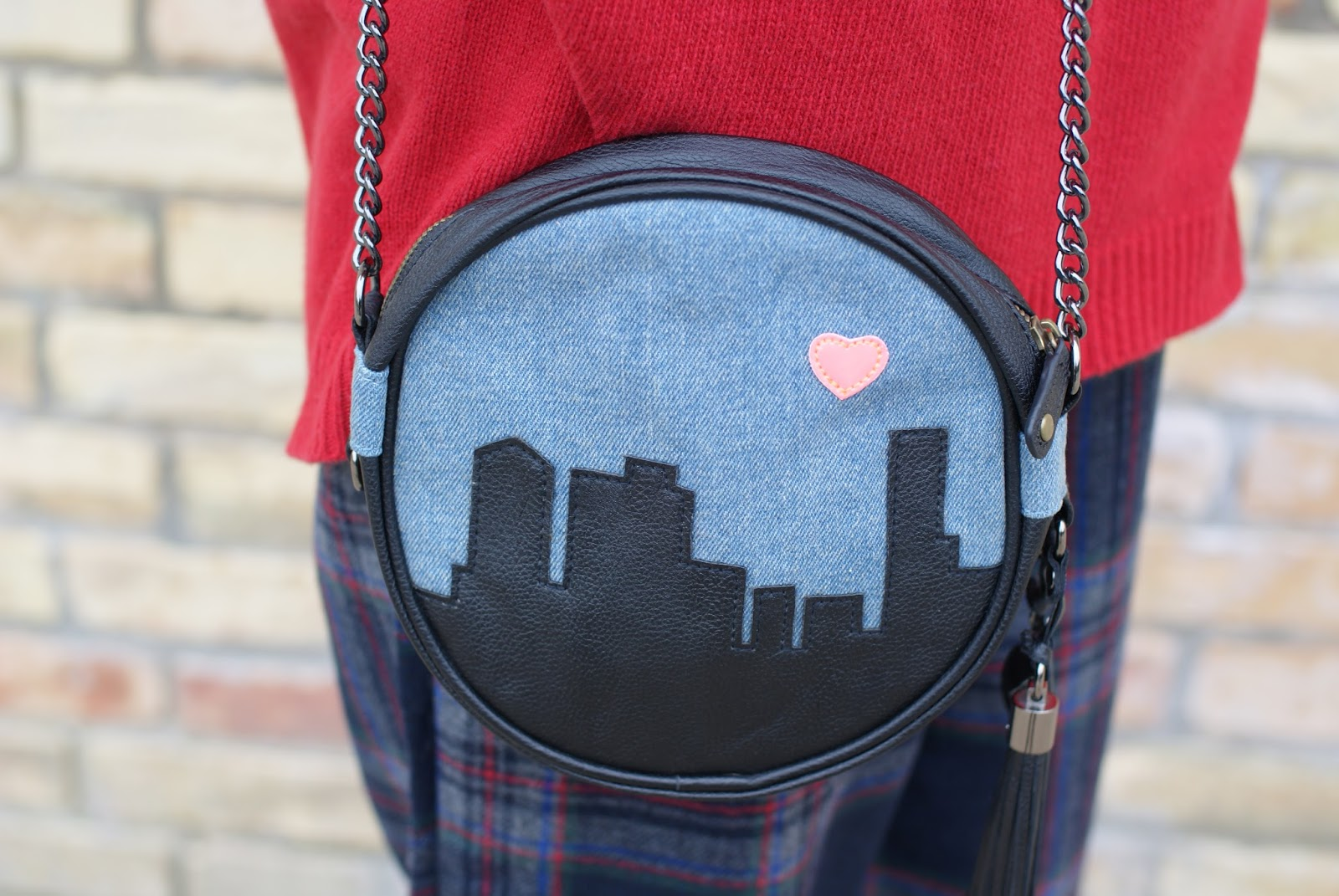 Stussy love made New York bag on Fashion and Cookies fashion blog