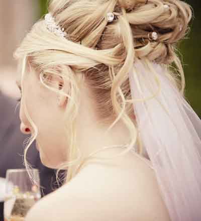 Wedding Hairstyles  2012 on Fashion And Beauty  Bridal Hairstyles 2012