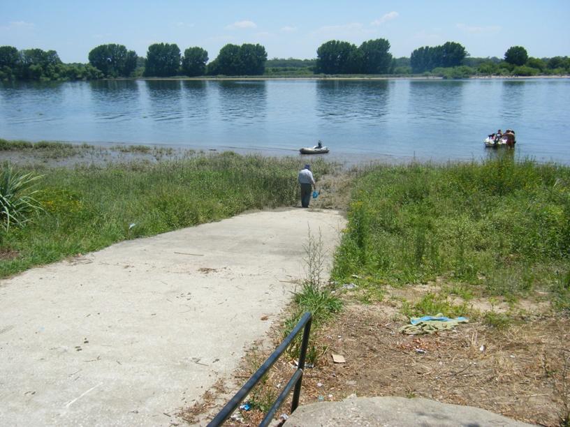 Zona para entrar e sair no rio tejo
