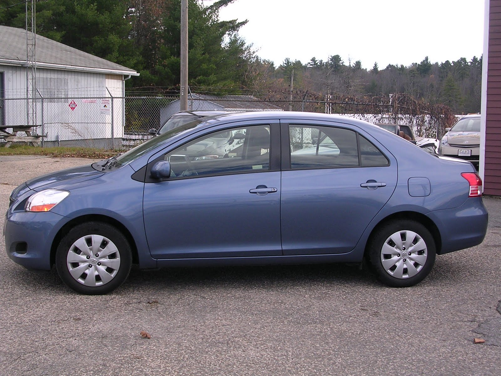 Earthy car of the week 2010 blue toyota yaris sedan