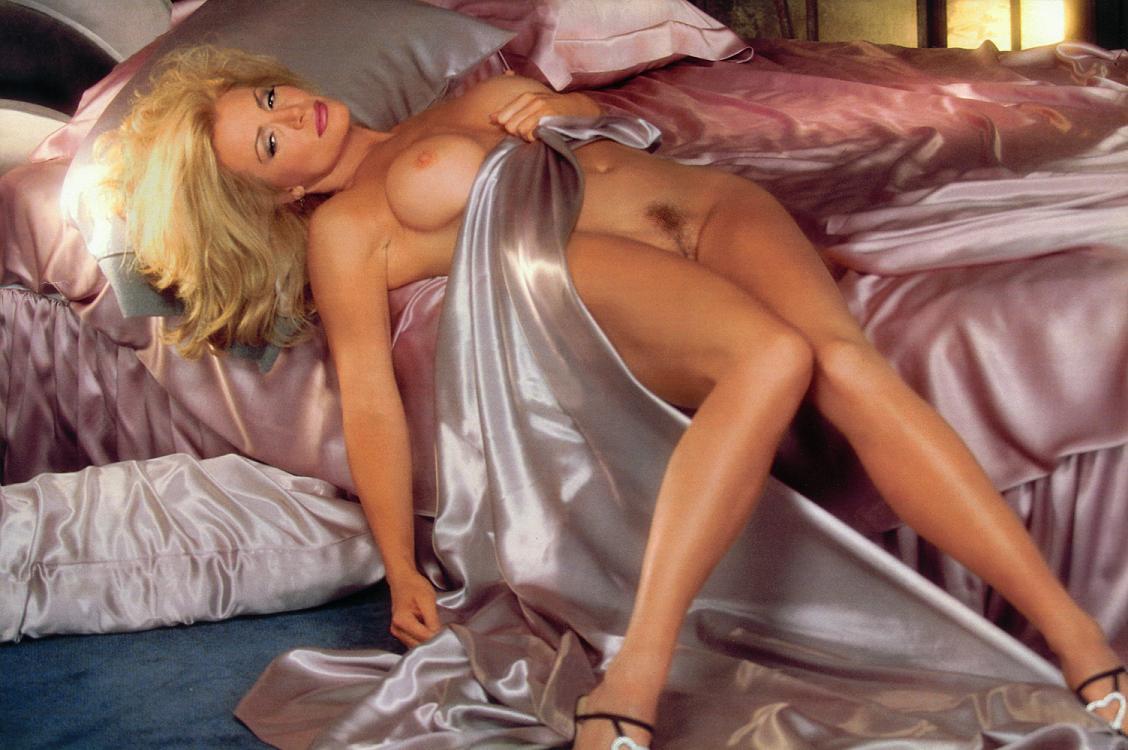 shannon tweed nude photo