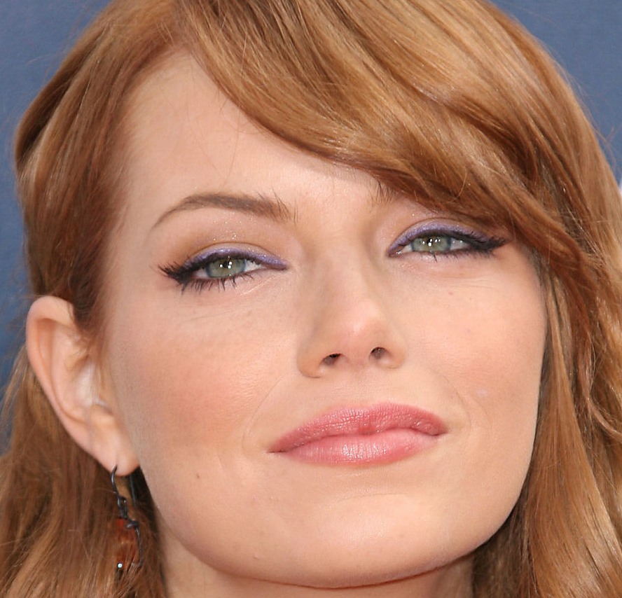 Chatter Busy: Emma Stone Biography