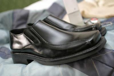 chọn trang phục cho chú rễ giày cưới